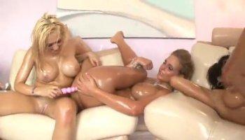 Shae Summers and Eva Karera share a dick