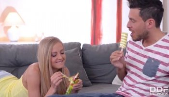 Young playgirl delights hunk with a facesitting